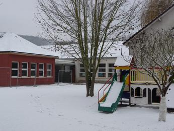 vallee_hiver_batiment_ecole.jpg